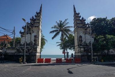 इंडोनेशिया ने जावा, बाली में कोविड प्रतिबंधों को बढ़ाया