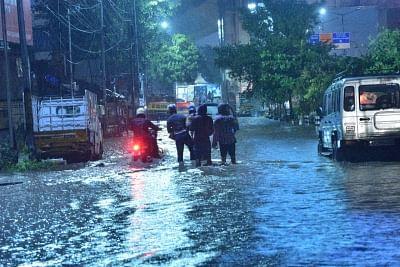 भारी बारिश ने तेलंगाना को पछाड़ा, मुख्यमंत्री ने दिल्ली से हालात की समीक्षा की