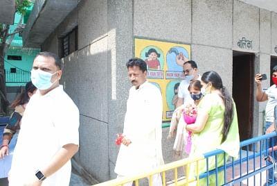 पूर्वी दिल्ली के महापौर ने अशोक नगर वार्ड का किया दौरा, आरडब्ल्यूए ने क्षेत्र में अवैध पार्किं ग पर दी जानकारी