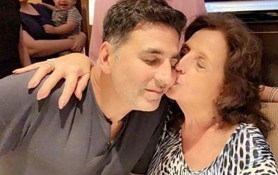 अक्षय कुमार के मां के निधन पर पीएम मोदी ने उनको दी सांत्वना