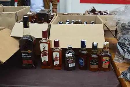 आबकारी विभाग की अवैध शराब के खिलाफ ताबड़तोड़ कारवाई जारी