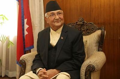 ओली का दावा, भारत ने दी थी नेपाल में संविधान लागू नहीं करने की धमकी