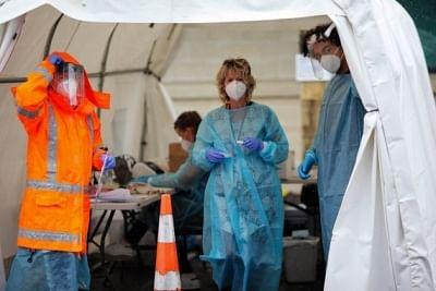 न्यूजीलैंड के ऑकलैंड शहर में मोबाइल वैक्सीन बसों की शुरूआत