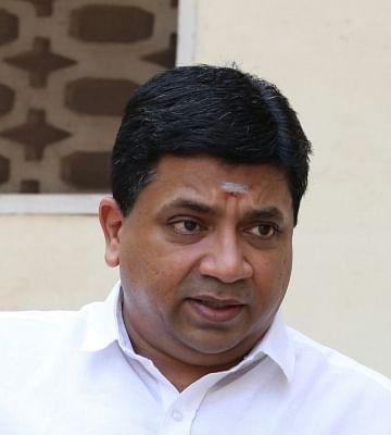 हवाई यात्रियों को 1 से अधिक लैपटॉप ले जाने से कोई नियम नहीं रोकता : तमिलनाडु मंत्री