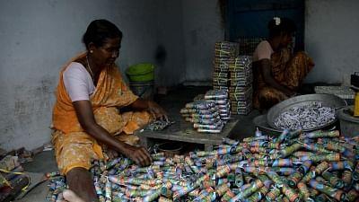 तमिलनाडु की अवैध पटाखा इकाई में विस्फोट में एक की मौत, सात घायल