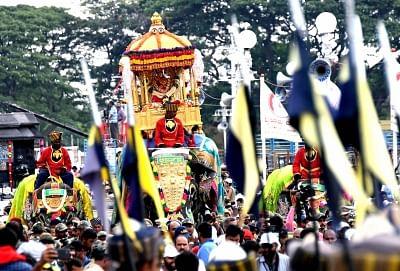 मैसूर दशहरा के लिए कर्नाटक तैयार, हाथियों का भव्य स्वागत