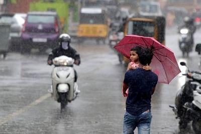 तमिलनाडु के कुछ जिलों में पड़ सकती है बौछार, पश्चिमी घाटों में होगी भारी बारिश