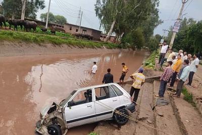 जम्मू कार दुर्घटना में 4 की मौत