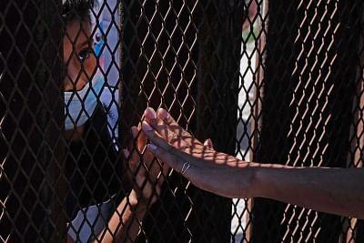 टेक्सास सीमावर्ती शहर में प्रवासी भीड़ को निर्वासित करेंगा बाइडन प्रशासन