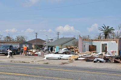 टेक्सास तट के कुछ हिस्सों में तूफान आने की आशंका