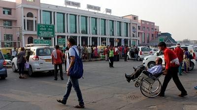 नई दिल्ली रेलवे स्टेशन पर खुला पहला 24 घंटे मल्टी-ब्रांड फूड प्लाजा
