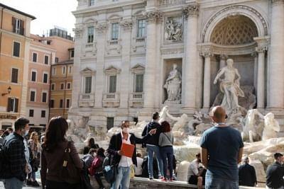 विदेशी पर्यटकों का रात भर इटली में रुकना 2020 में लगभग 55 प्रतिशत कम