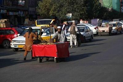 बेहतर जिंदगी की तलाश में अफगानी कर रहे मशक्कत