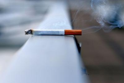 धूम्रपान न करने वालों को भी आखिर कैसे हो जाता है फेफड़ों का कैंसर !
