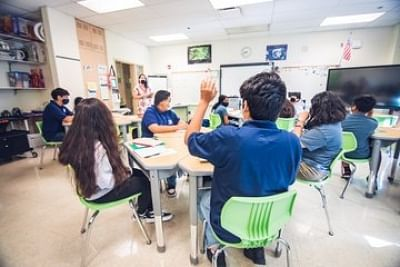 अमेरिका के तीसरे सबसे बड़े स्कूल में कोविड के 245 नए मामले