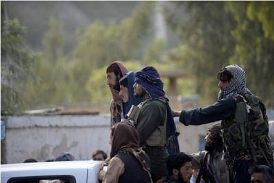 कार्यवाहक अफगान प्रधानमंत्री ने पूर्व अधिकारियों से स्वदेश लौटने का आह्वान किया