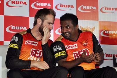 राशिद बल्लेबाजों को खेलने के लिए ज्यादा समय नहीं देते : मुरलीधरन