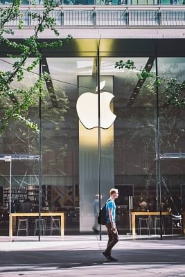 एप्पल देरी से बचने के लिए अकेले करेगा अपनी कार विकसित