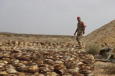 यमन के होदेइदाह में बारूदी सुरंग विस्फोट में 15 घायल