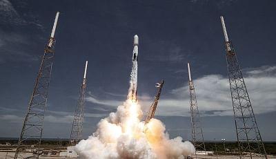 स्पेसएक्स ने मई से अब तक 51 स्टारलिंक इंटरनेट सेटेलाइट किया पेश