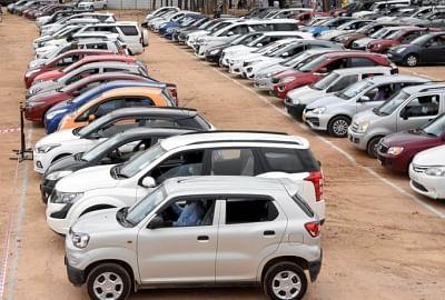 अगस्त में खुदरा वाहनों की बिक्री 14 फीसदी बढ़ी, कमर्शियल वाहन की बिक्री 98 फीसदी बढ़ी