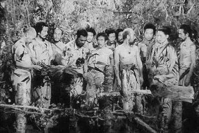 उजाड़ द्वीप पर एक स्त्री व 32 पुरुषों की सही कहानी