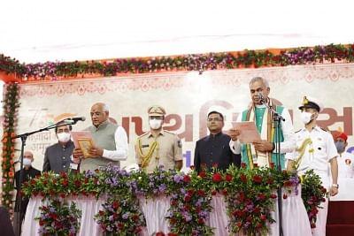 मोदी, शाह और नड्डा ने गुजरात के नए मुख्यमंत्री भूपेंद्र पटेल को दी बधाई