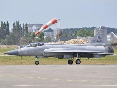 अर्जेंटीना ने पाकिस्तान से 12 जेएफ-17 थंडर फाइटर जेट खरीदने की योजना बनाई