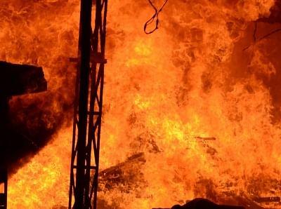 मनोकामना पूरी नहीं हुई तो व्यक्ति ने धार्मिक स्थल में लगाई आग