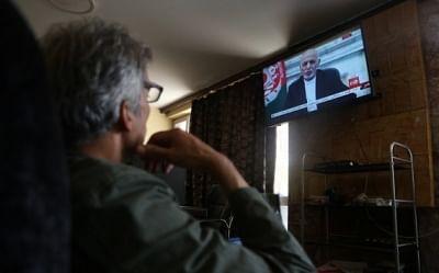 अशरफ गनी के अंगरक्षक ने उन्हें लाखों डॉलर लेकर भागते देखा था : रिपोर्ट