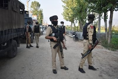 encounter-begins-between-terrorists-and-security-forces-in-jammu-and-kashmir39s-pulwama