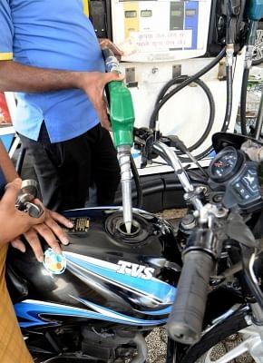 ईंधन की बढ़ती कीमतों से सीएनजी वाहनों की मांग बढ़ी