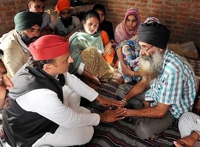 कांग्रेस को आगे दिखाना भाजपा की रणनीति - अखिलेश
