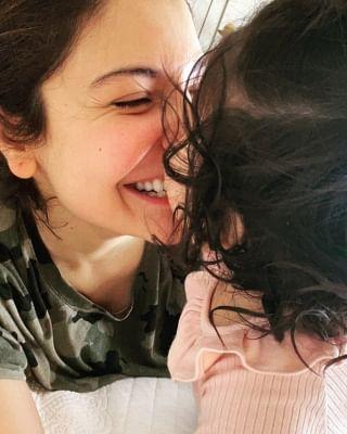 अनुष्का ने बेटी वामिका को लिखा: मुझे हर दिन साहसी, और बहादुर बनाया