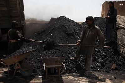 कोयले का स्टॉक अपने पिछले स्तर तक जल्द सुधरने की संभावना नहीं : रिपोर्ट