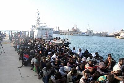 लीबिया के तट से 216 अवैध प्रवासियों को बचाया गया
