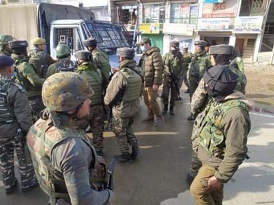 जम्मू-कश्मीर : आतंकी हमले में 2 पुलिसकर्मी घायल