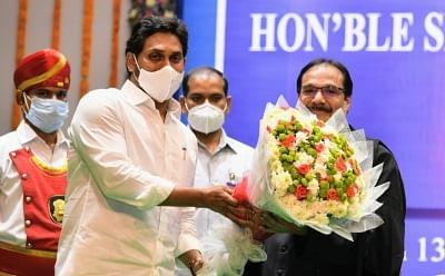 प्रशांत मिश्रा ने आंध्र प्रदेश हाईकोर्ट के मुख्य न्यायाधीश पद की शपथ ली