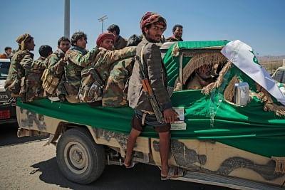 सऊदी सीमावर्ती शहर जजान में हाउती हवाईअड्डे पर हमले में 5 लोग घायल