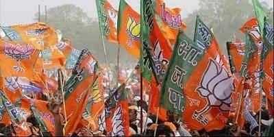 यूपी में हर बूथ पर मुस्लिम वोटों को लुभाने की कोशिशों में जुटी भाजपा