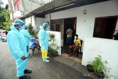 श्रीलंका के स्वास्थ्य अधिकारियों ने कोविड मामलों में गिरावट के बावजूद सतर्क रहने का किया आग्रह