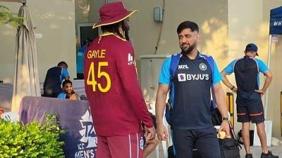 टी20 विश्व कप: धोनी और गेल दिखे साथ, बीसीसीआई ने शेयर की तस्वीर