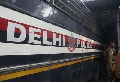 दिल्ली पुलिसकर्मियों पर हमला करने के आरोप में दो महिलाओं समेत 10 गिरफ्तार