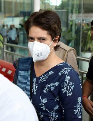 मुझे अवैध रूप से बंधक बनाया है, वकील से मिलने की अनुमति नहीं : प्रियंका गांधी