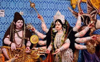 बिहार : दुर्गा पूजा में प्रतिनियुक्ति स्थल पर नहीं मिले अधिकारी, डीएम ने मांगा स्पष्टीकरण