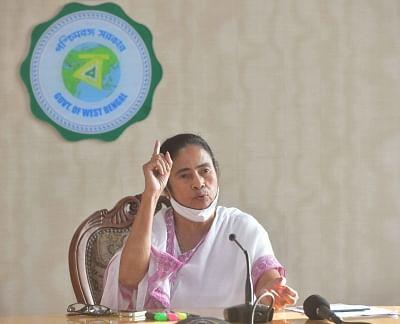 धन की कमी के कारण केंद्र की योजनाओं को लागू कर सकती है पश्चिम बंगाल सरकार