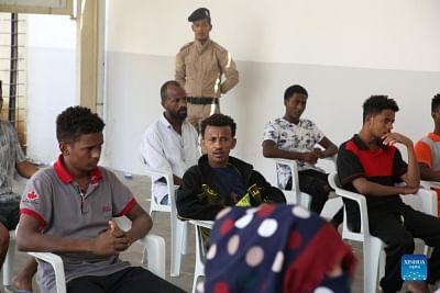 लीबिया ने अवैध प्रवासियों के लिए कोविड टीकाकरण शुरू किया