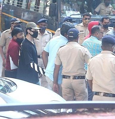 रेव पार्टी मामला : आर्यन खान, 7 अन्य को अदालत में पेश किया जाएगा