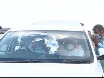 चुनावी रैली को संबोधित करने जाते समय पायलट और गहलोत की एक साथ वाली तस्वीर वायरल