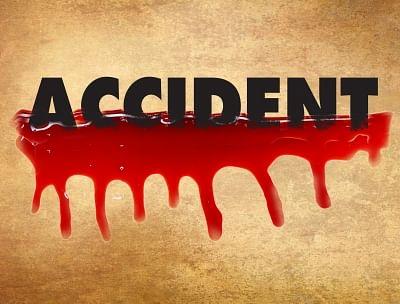 कर्नाटक : सड़क हादसे में दंपति, 8 साल के बेटे समेत 4 की मौत